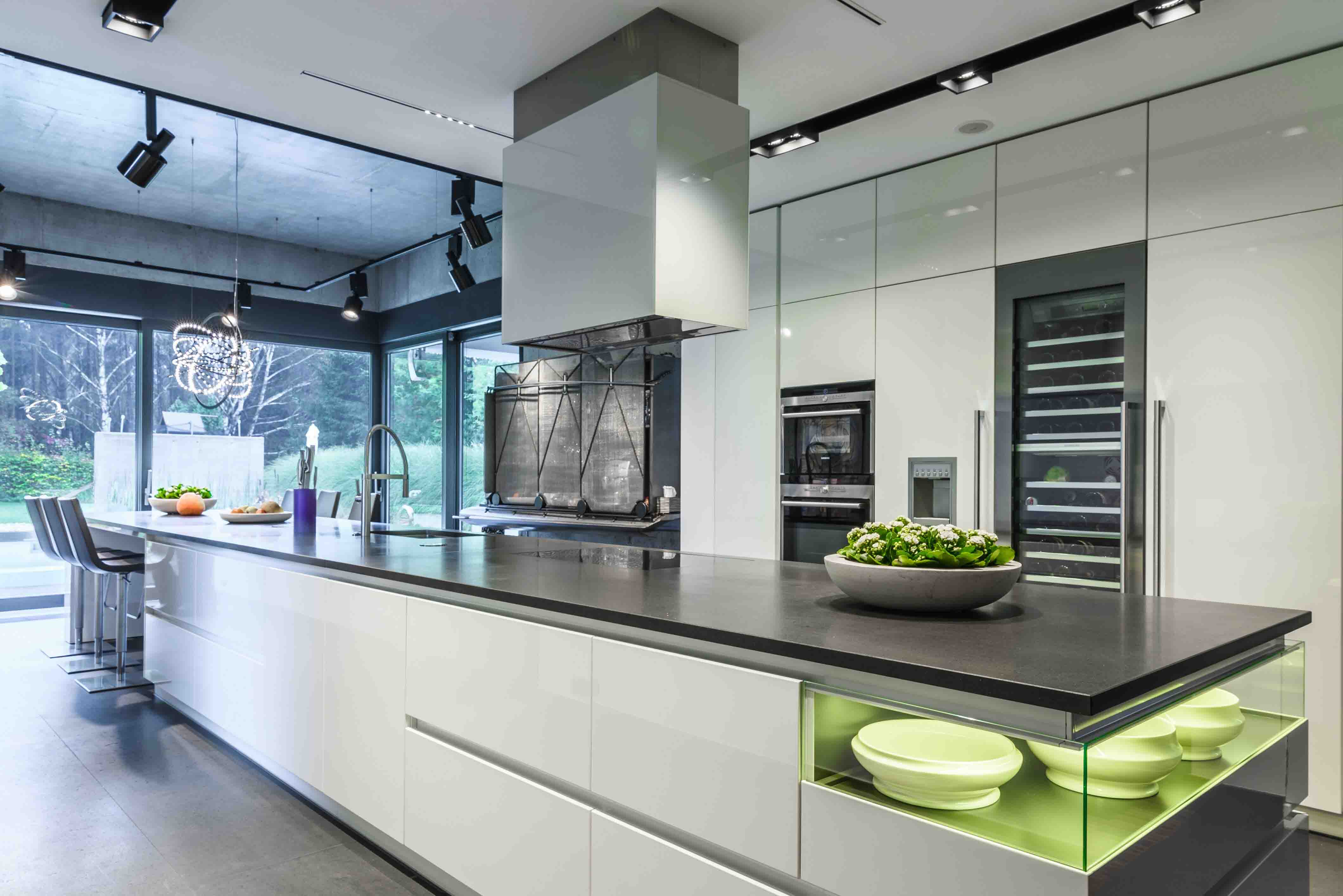 kuchnia-nowoczesne-wnętrze-zabudowa-lakier-beton-kaminskadorota